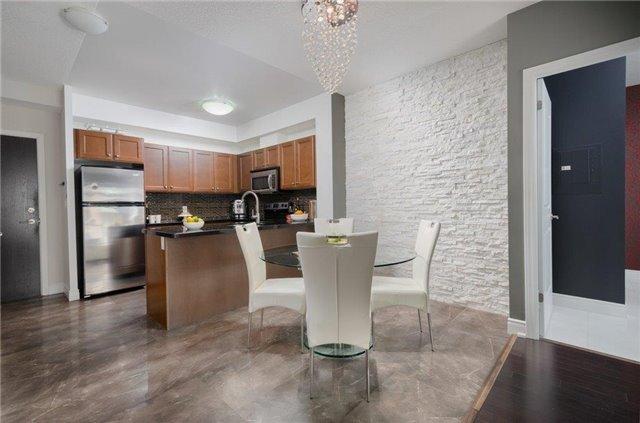 Condo Apartment at 281 Woodbridge Ave, Unit 407, Vaughan, Ontario. Image 20