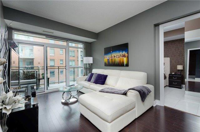 Condo Apartment at 281 Woodbridge Ave, Unit 407, Vaughan, Ontario. Image 2