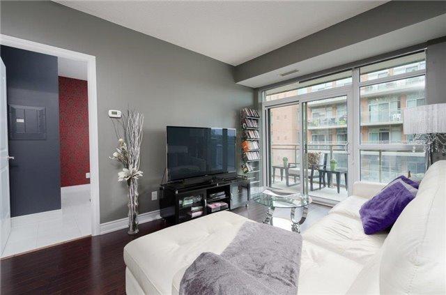 Condo Apartment at 281 Woodbridge Ave, Unit 407, Vaughan, Ontario. Image 3