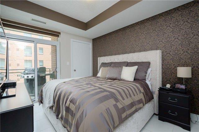 Condo Apartment at 281 Woodbridge Ave, Unit 407, Vaughan, Ontario. Image 6