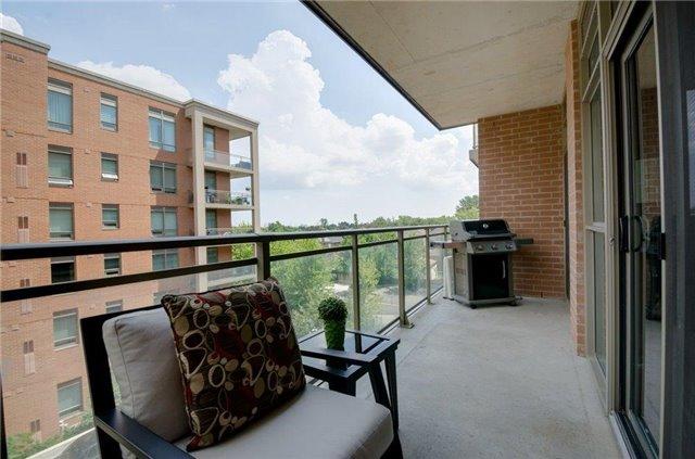 Condo Apartment at 281 Woodbridge Ave, Unit 407, Vaughan, Ontario. Image 9