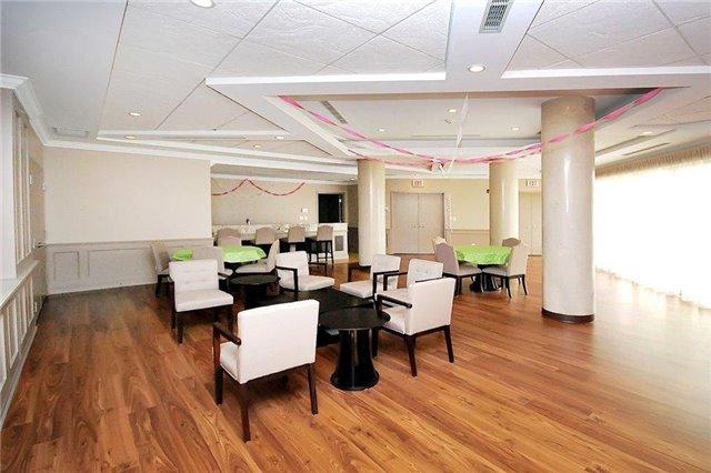 Condo Apartment at 281 Woodbridge Ave, Unit 407, Vaughan, Ontario. Image 11