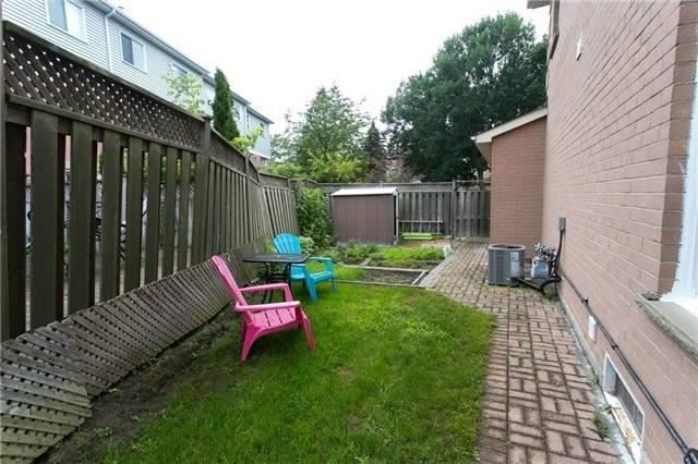 Link at 74 Covent Cres, Aurora, Ontario. Image 11