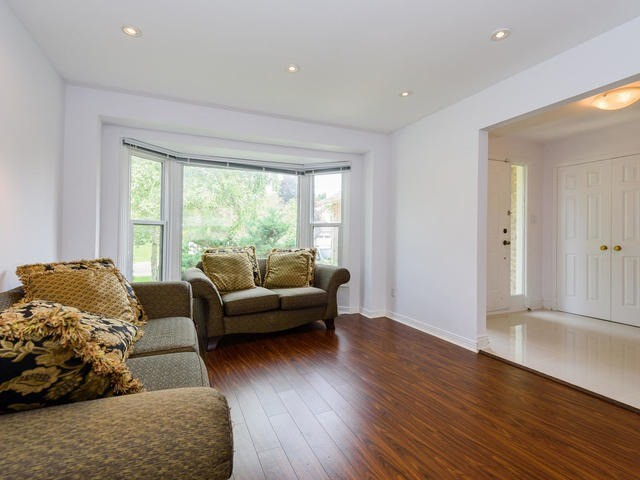 Detached at 65 Longwater Chse, Markham, Ontario. Image 12