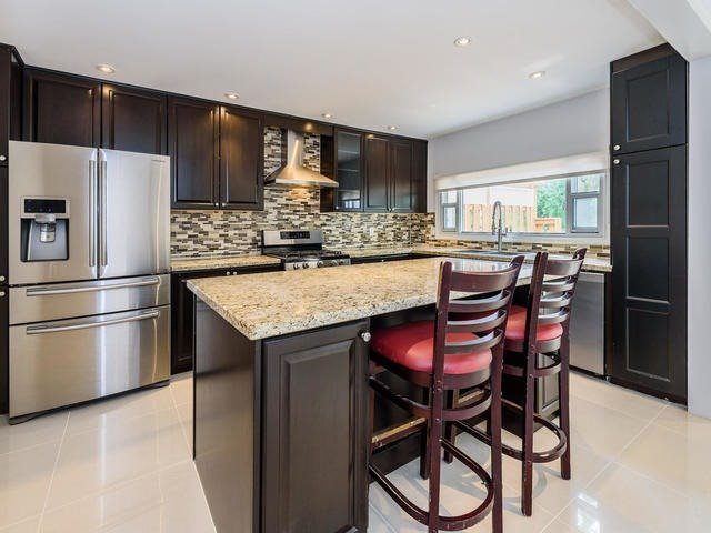 Detached at 65 Longwater Chse, Markham, Ontario. Image 15