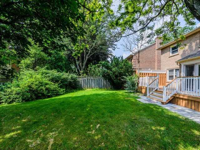 Detached at 65 Longwater Chse, Markham, Ontario. Image 11