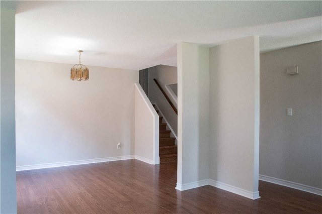Detached at 214 Sheffield St, Newmarket, Ontario. Image 15