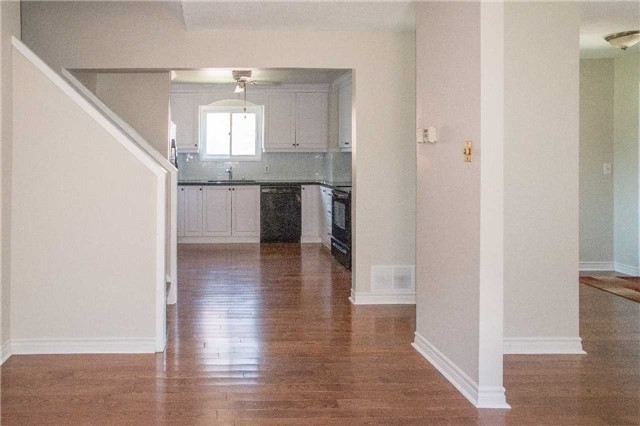 Detached at 214 Sheffield St, Newmarket, Ontario. Image 16