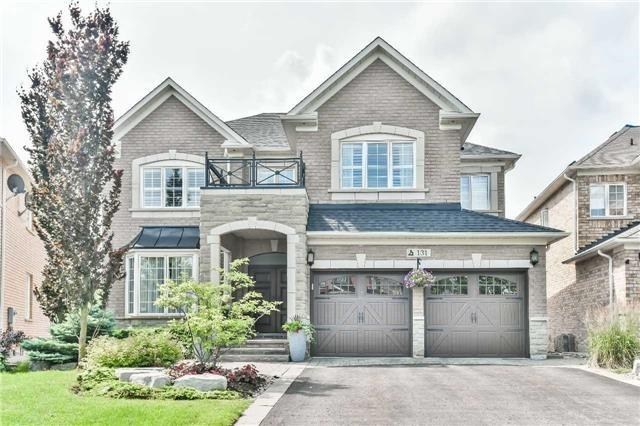 Detached at 131 Barberry Cres, Richmond Hill, Ontario. Image 1