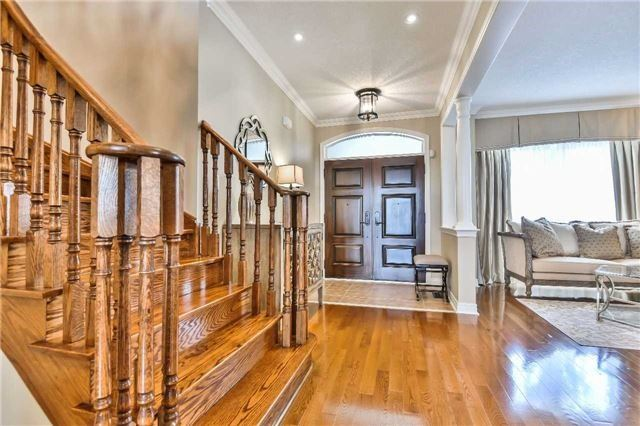 Detached at 131 Barberry Cres, Richmond Hill, Ontario. Image 12