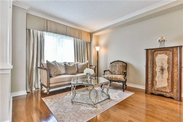Detached at 131 Barberry Cres, Richmond Hill, Ontario. Image 14