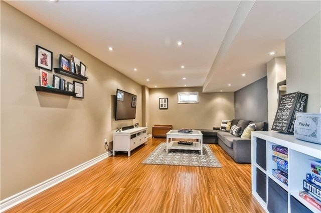 Detached at 131 Barberry Cres, Richmond Hill, Ontario. Image 8
