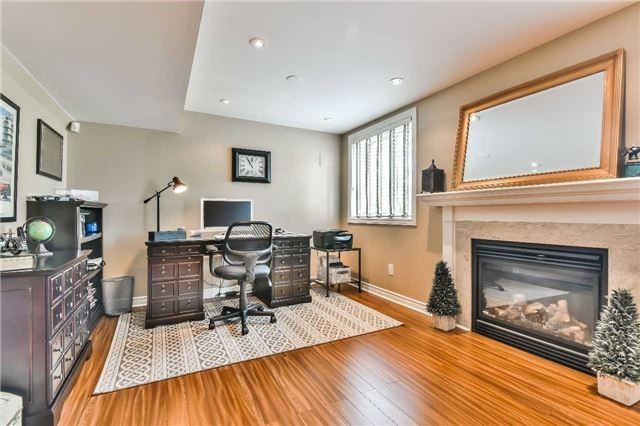 Detached at 131 Barberry Cres, Richmond Hill, Ontario. Image 9