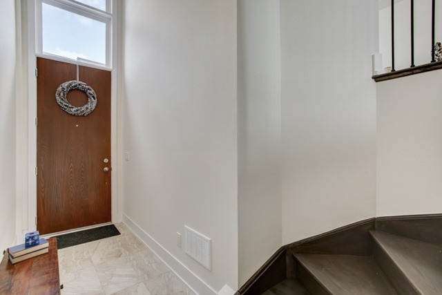 Townhouse at 20 Allerton Rd, Vaughan, Ontario. Image 14