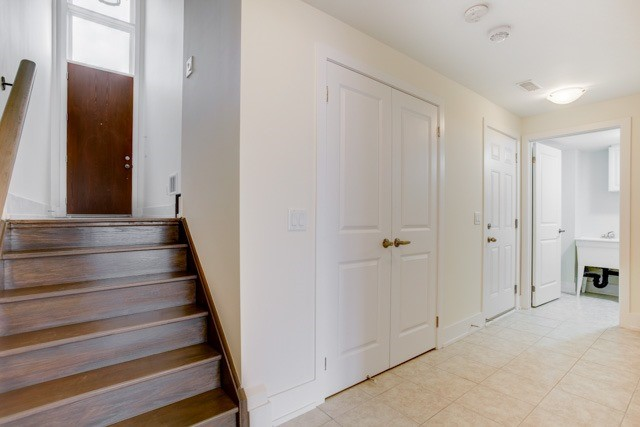 Townhouse at 20 Allerton Rd, Vaughan, Ontario. Image 10