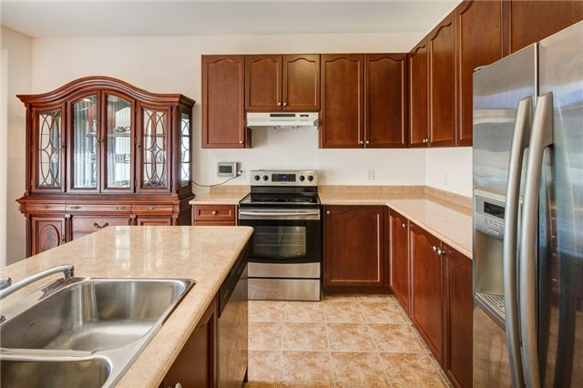 Detached at 161 Mintwood Rd, Vaughan, Ontario. Image 3