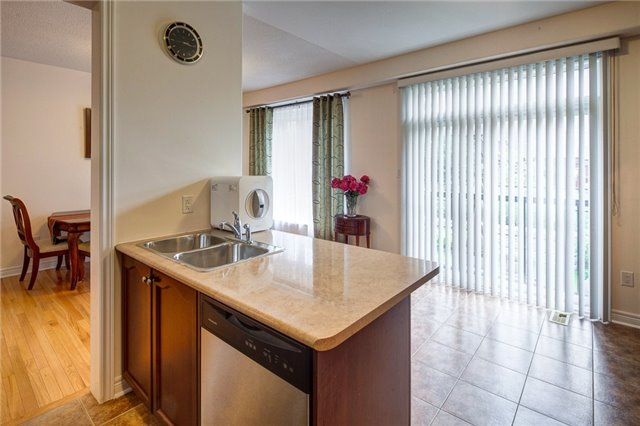 Detached at 161 Mintwood Rd, Vaughan, Ontario. Image 5