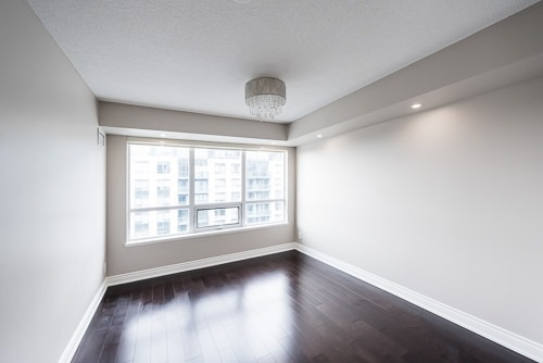 Condo Apartment at 32 Clegg Rd, Unit 816, Markham, Ontario. Image 3