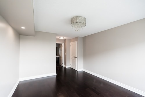 Condo Apartment at 32 Clegg Rd, Unit 816, Markham, Ontario. Image 4