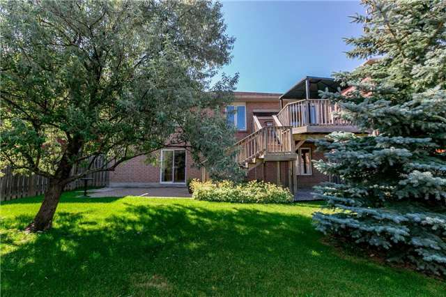 Detached at 15 Pace Cres, Bradford West Gwillimbury, Ontario. Image 7