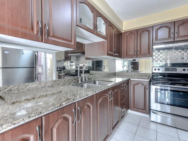 Link at 35 Laird Dr, Markham, Ontario. Image 19