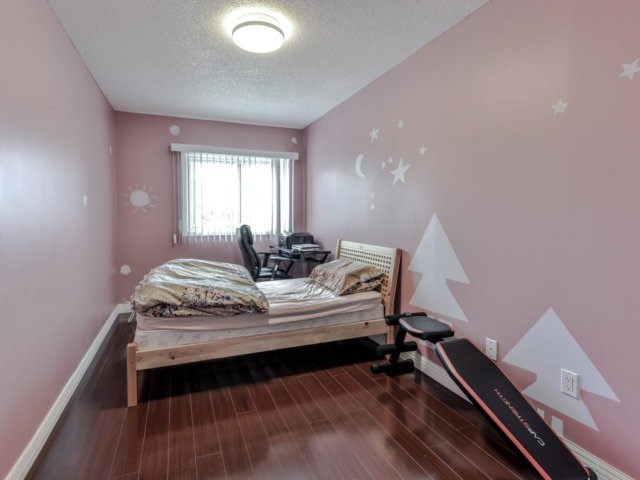 Link at 35 Laird Dr, Markham, Ontario. Image 4