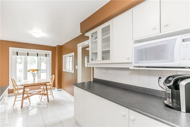 Detached at 82 Daniele Ave N, New Tecumseth, Ontario. Image 12