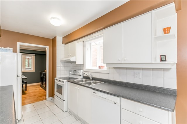 Detached at 82 Daniele Ave N, New Tecumseth, Ontario. Image 14