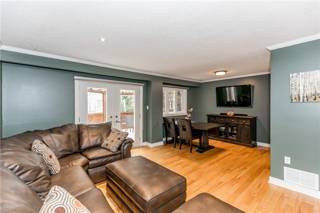 Detached at 82 Daniele Ave N, New Tecumseth, Ontario. Image 18