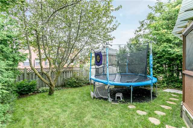 Detached at 82 Daniele Ave N, New Tecumseth, Ontario. Image 4