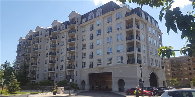 Condo Apartment at 1 Maison Parc Crt, Unit 303, Vaughan, Ontario. Image 1