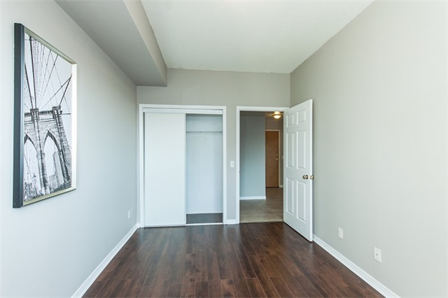 Condo Apartment at 1 Maison Parc Crt, Unit 303, Vaughan, Ontario. Image 18