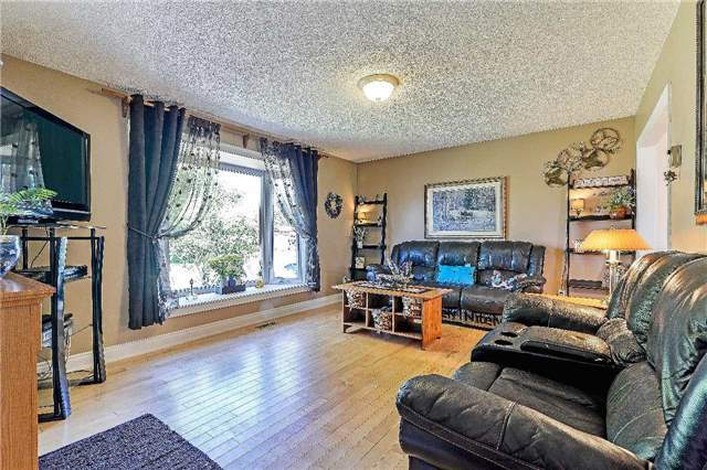 Detached at 2149 Gordon St, Innisfil, Ontario. Image 15