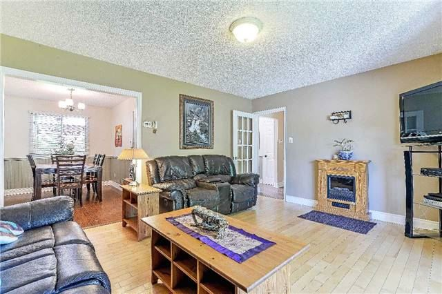 Detached at 2149 Gordon St, Innisfil, Ontario. Image 16