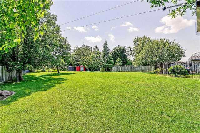 Detached at 2149 Gordon St, Innisfil, Ontario. Image 13