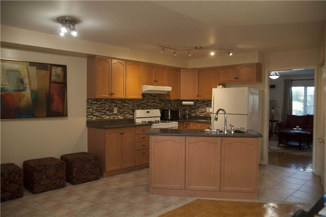 Townhouse at 9130 Dufferin St, Vaughan, Ontario. Image 12