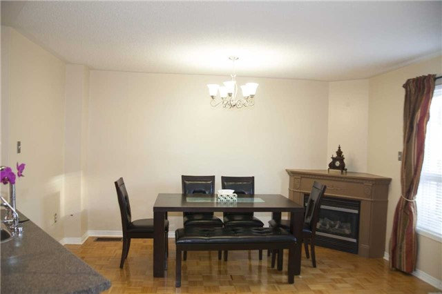 Townhouse at 9130 Dufferin St, Vaughan, Ontario. Image 13