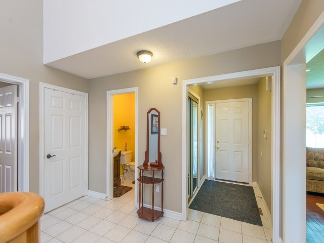 Detached at 3 Brookwood Dr, Richmond Hill, Ontario. Image 14