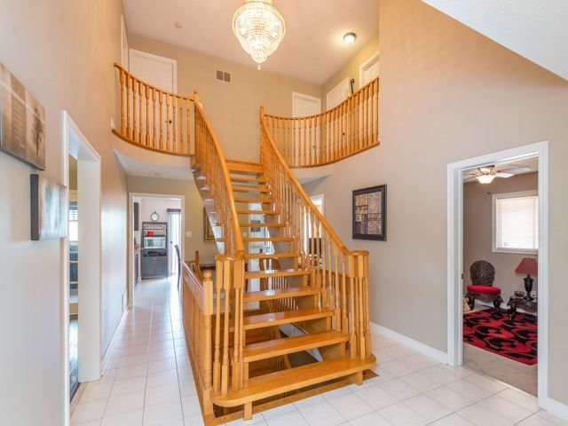 Detached at 3 Brookwood Dr, Richmond Hill, Ontario. Image 15