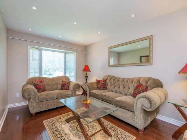 Detached at 3 Brookwood Dr, Richmond Hill, Ontario. Image 16