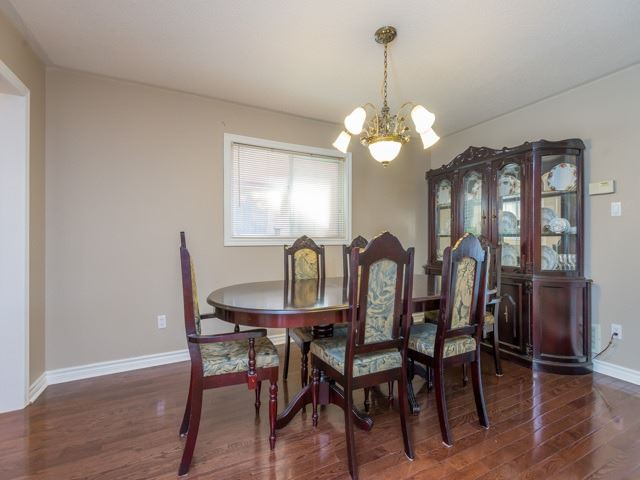 Detached at 3 Brookwood Dr, Richmond Hill, Ontario. Image 17