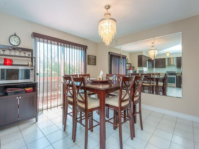 Detached at 3 Brookwood Dr, Richmond Hill, Ontario. Image 20