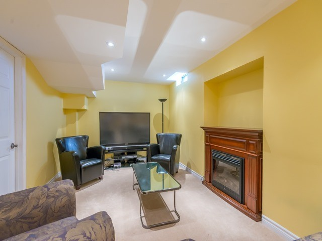 Detached at 3 Brookwood Dr, Richmond Hill, Ontario. Image 11
