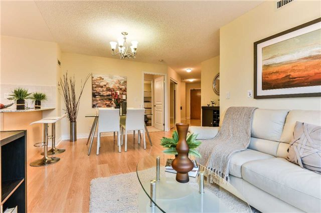 Condo Apartment at 75 South Town Centre Blvd, Unit 1208, Markham, Ontario. Image 20