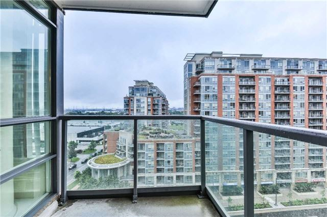 Condo Apartment at 75 South Town Centre Blvd, Unit 1208, Markham, Ontario. Image 10