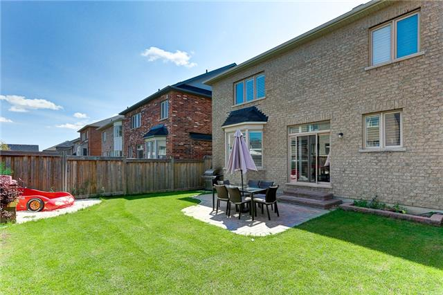 Detached at 83 Yakefarm Blvd, Whitchurch-Stouffville, Ontario. Image 13