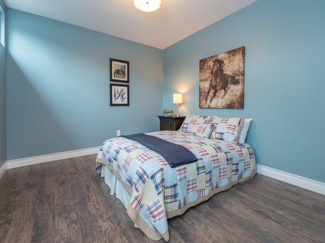 Condo Townhouse at 298 Milestone Cres, Aurora, Ontario. Image 6