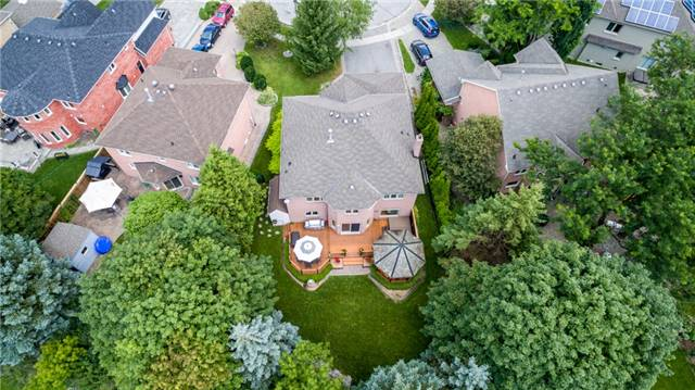 Detached at 558 Lyman Blvd, Newmarket, Ontario. Image 12