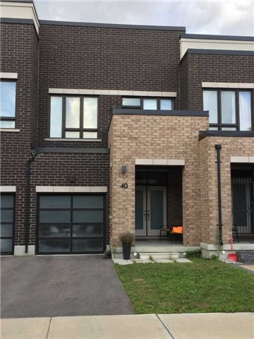 Townhouse at 40 Dariole Dr, Richmond Hill, Ontario. Image 1