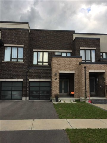 Townhouse at 40 Dariole Dr, Richmond Hill, Ontario. Image 2